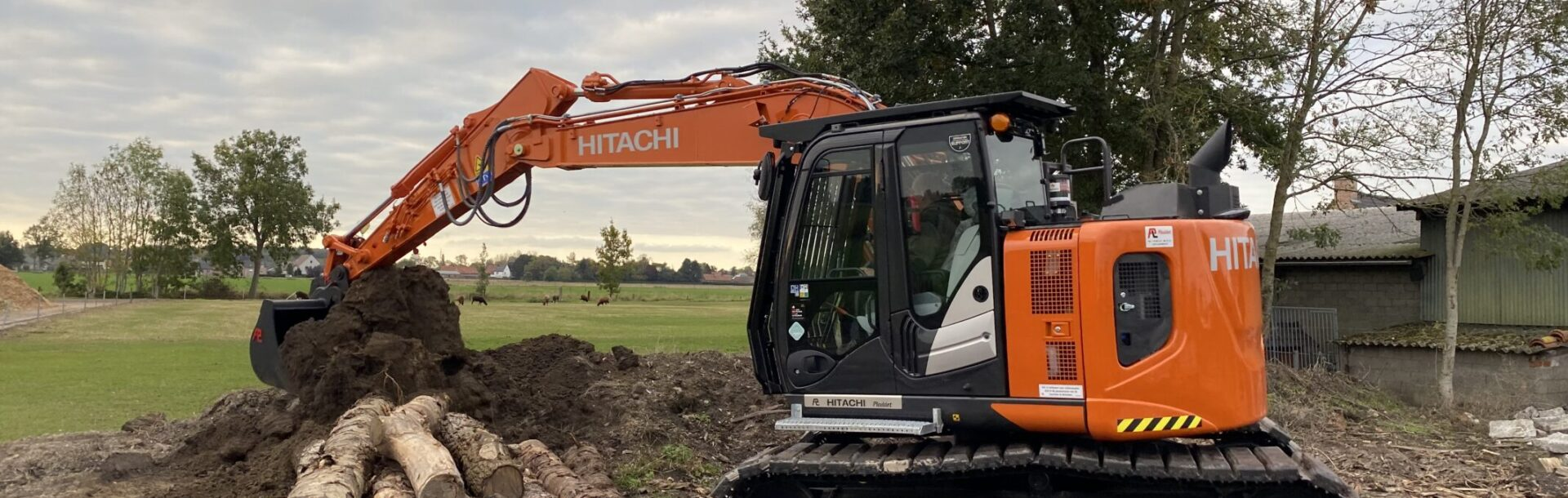 Graafmachine Hitachi ZX135US-6 Sam de Kesel